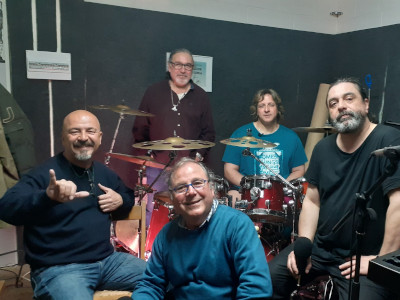 Mataró Cultural presents the progressive rock group from Mataró, The White Chameleon